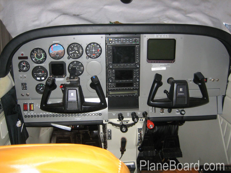 1979 Cessna 206G Stationair interior 1
