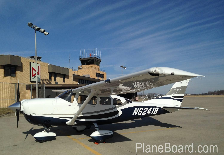 2008 Cessna T206H exterior 0
