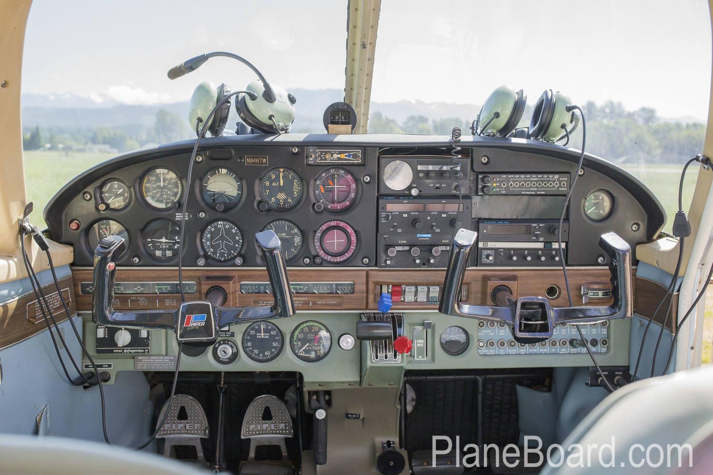 1969 Piper 6X interior 5