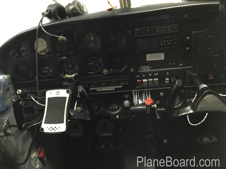 1969 Piper Cherokee 140 exterior 12