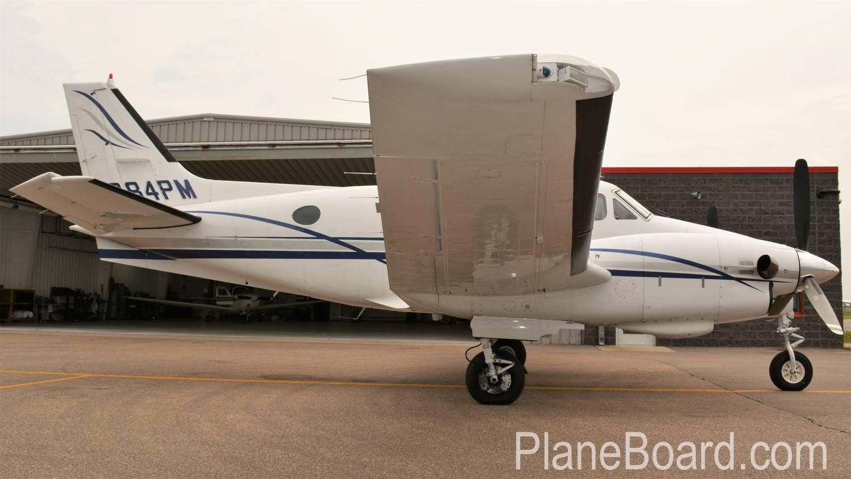 1977 Beechcraft King Air C90 exterior 3