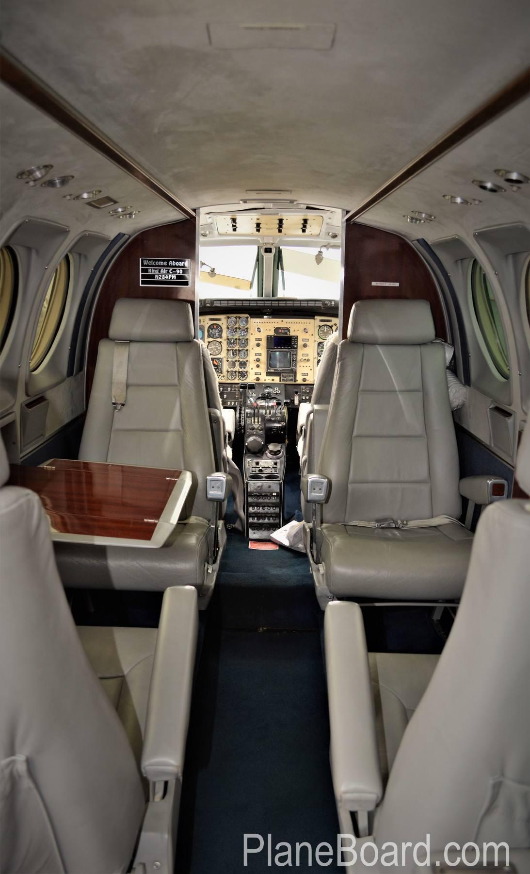 1977 Beechcraft King Air C90 interior 16