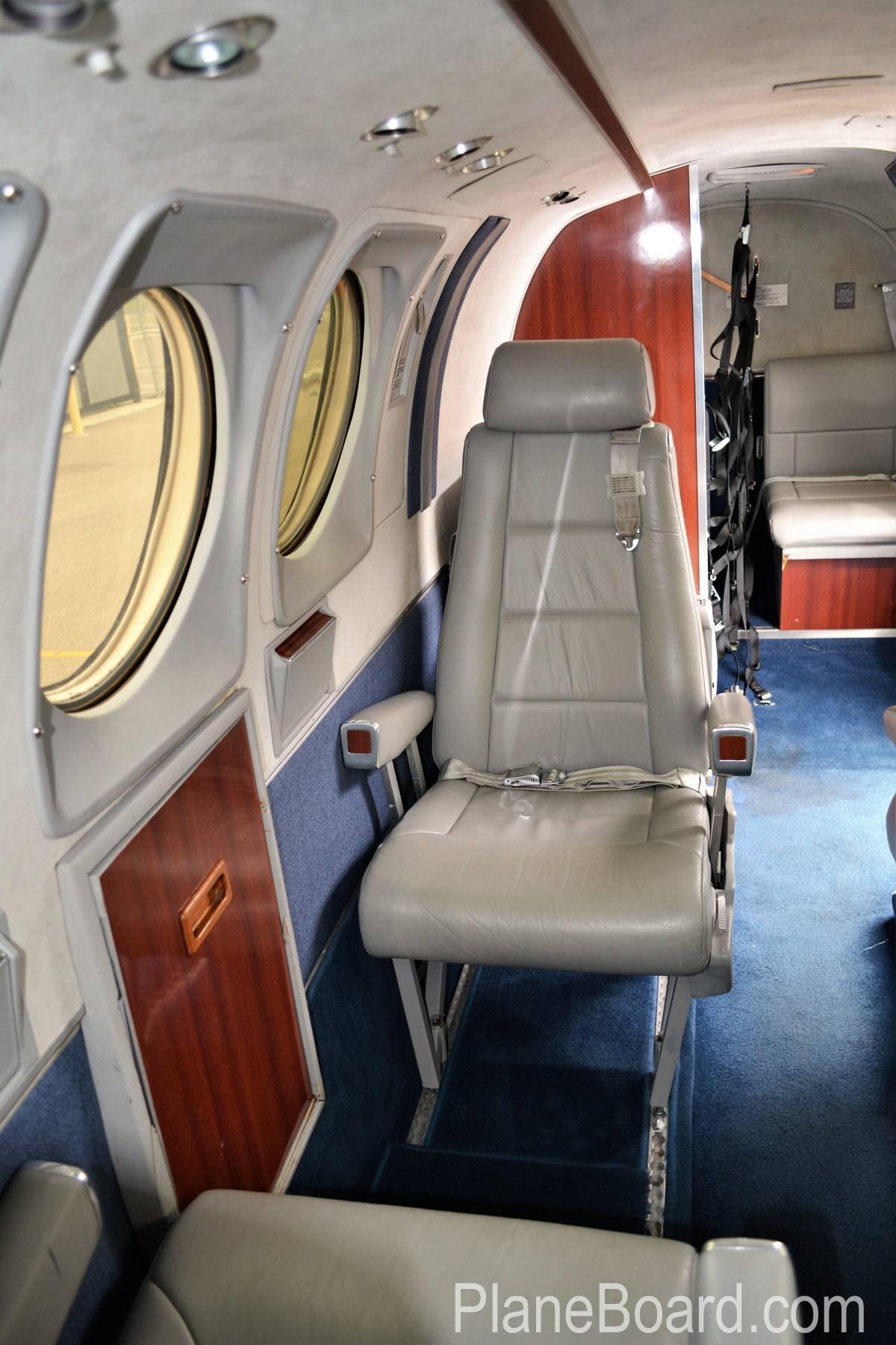 1977 Beechcraft King Air C90 interior 14