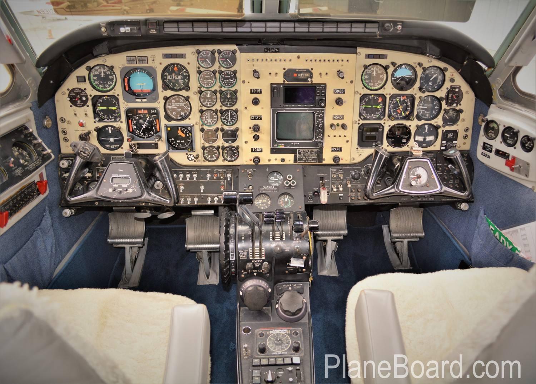 1977 Beechcraft King Air C90 interior 13