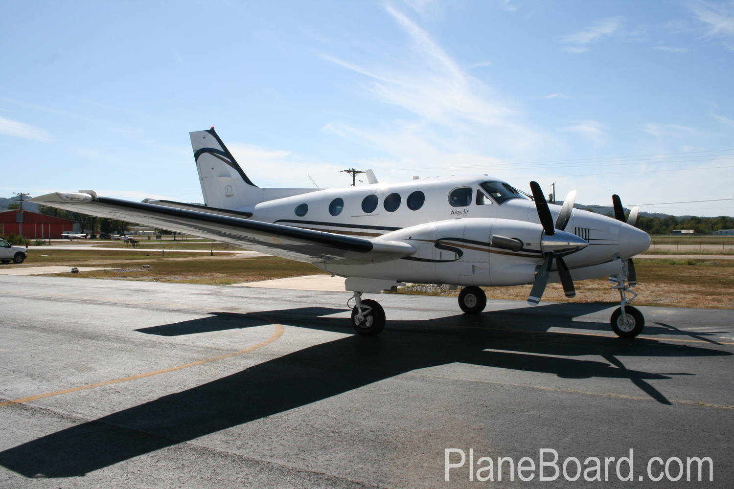 2005 Beechcraft King Air C90B primary