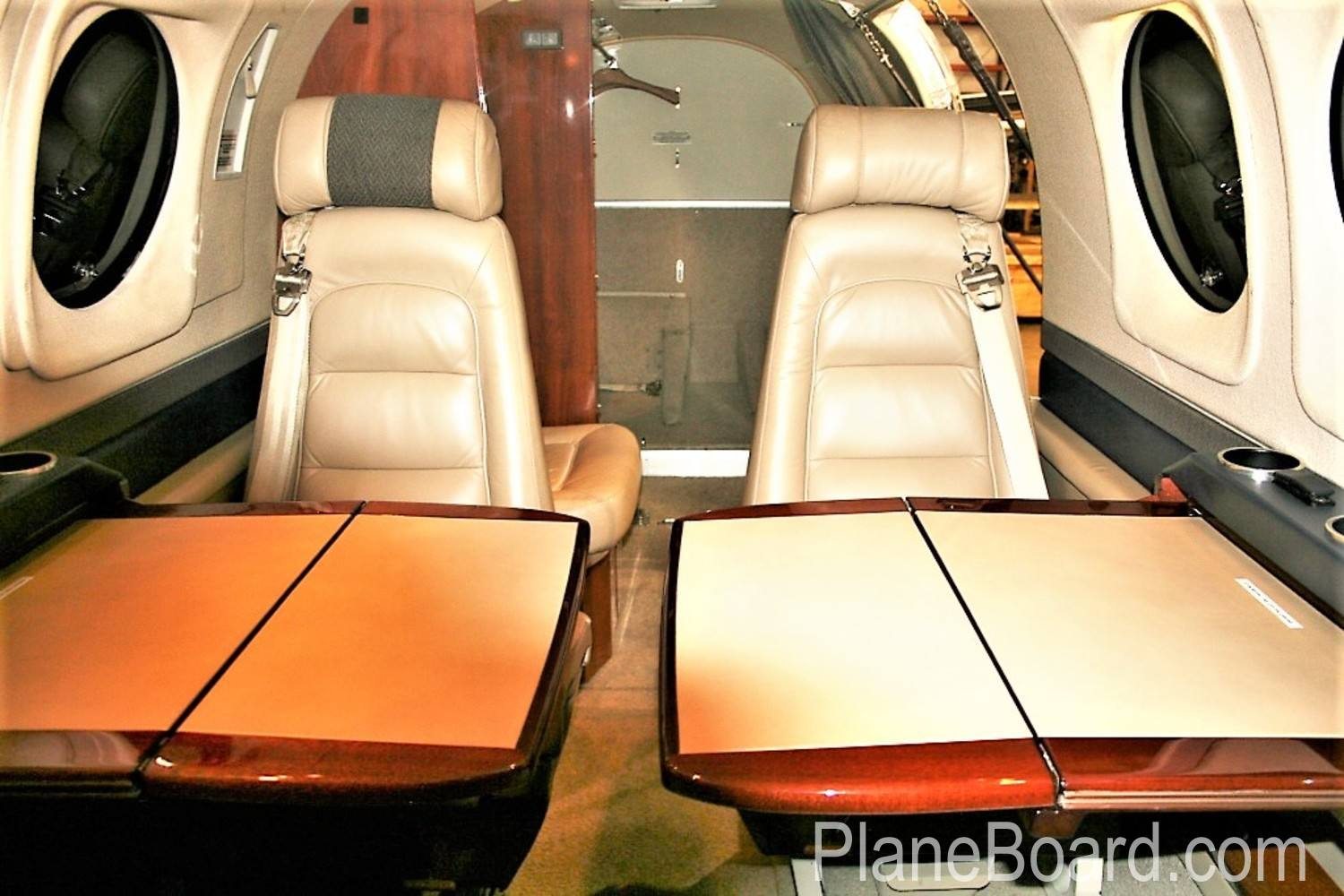 2005 Beechcraft King Air C90B interior 8