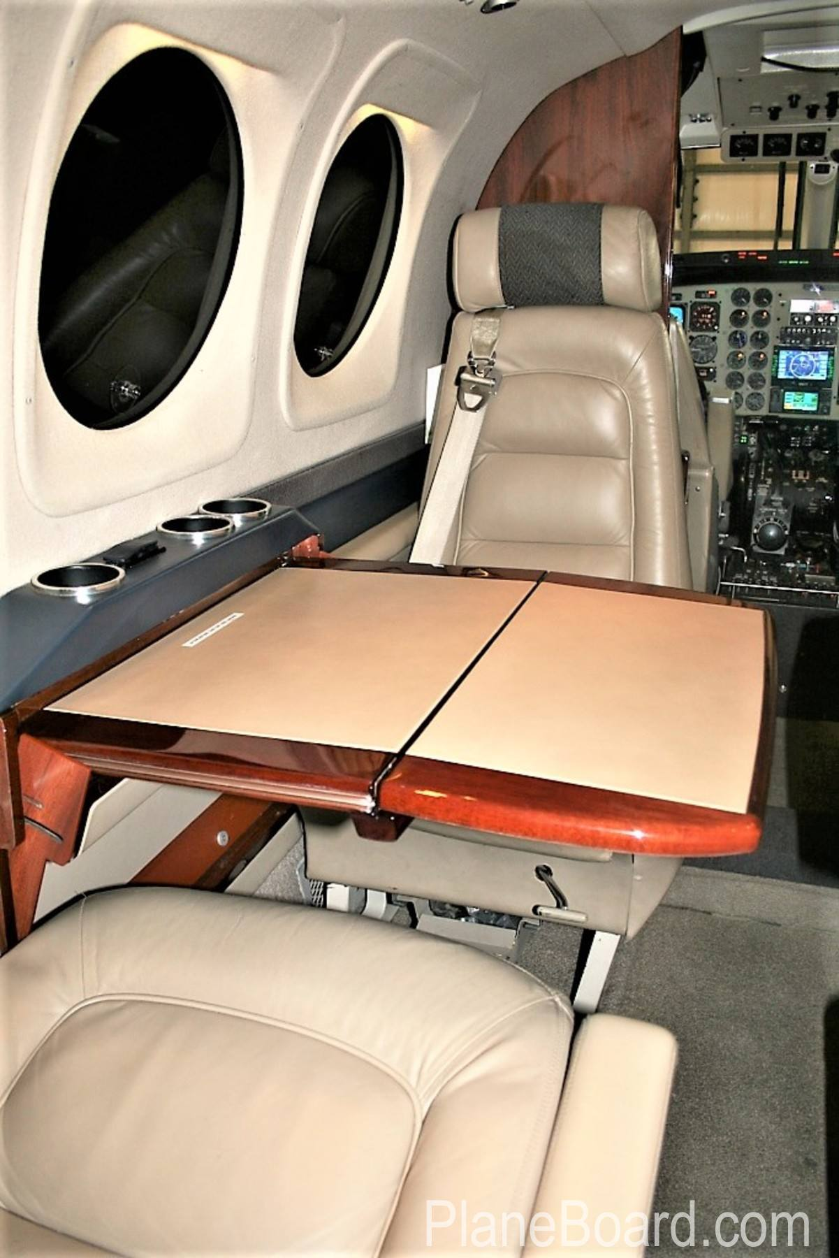 2005 Beechcraft King Air C90B interior 7