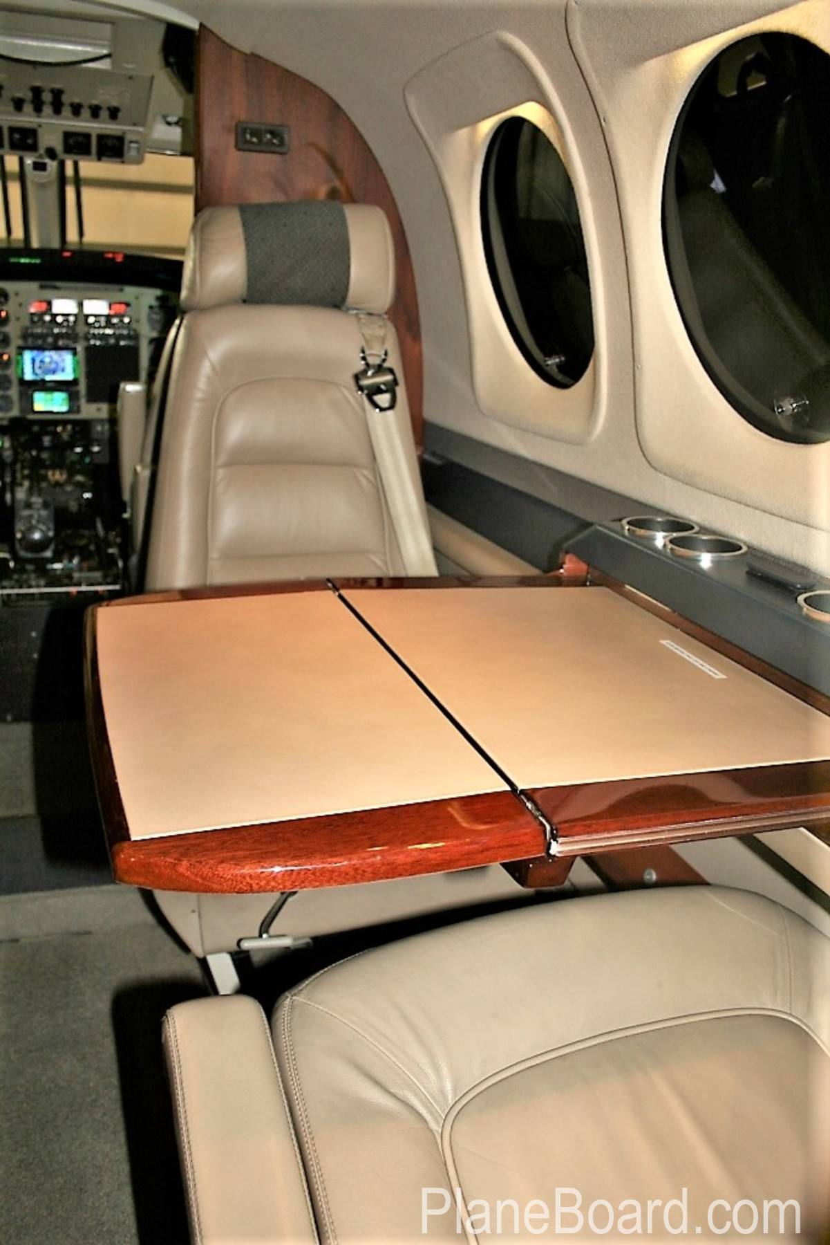 2005 Beechcraft King Air C90B interior 6