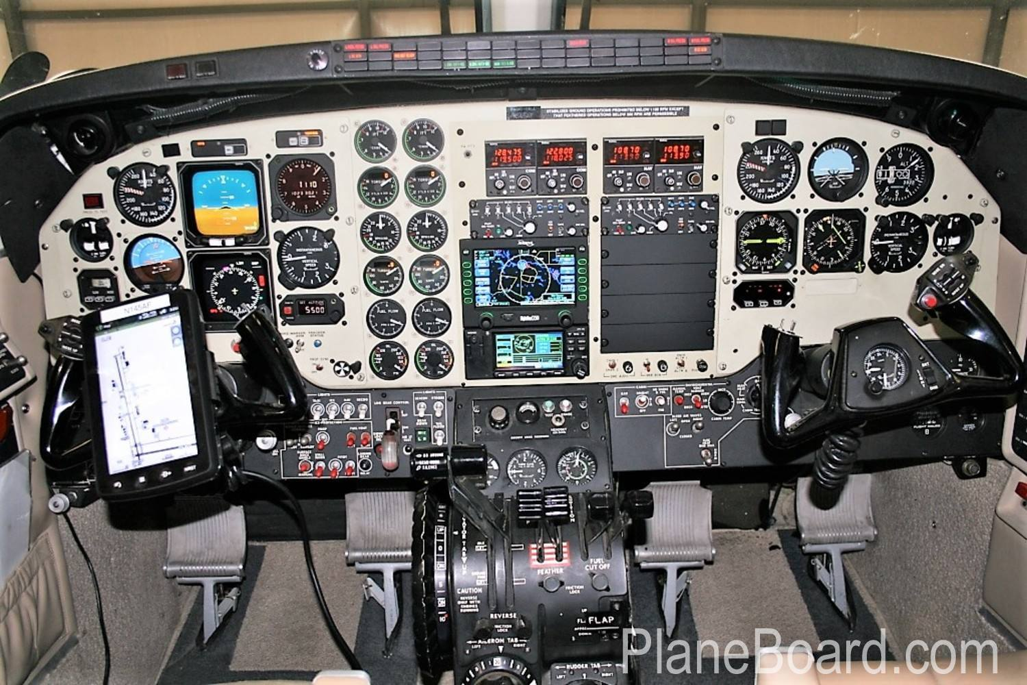 2005 Beechcraft King Air C90B interior 3