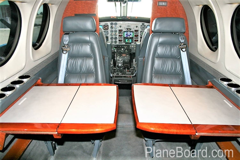 2000 Beechcraft King Air C90B interior 9