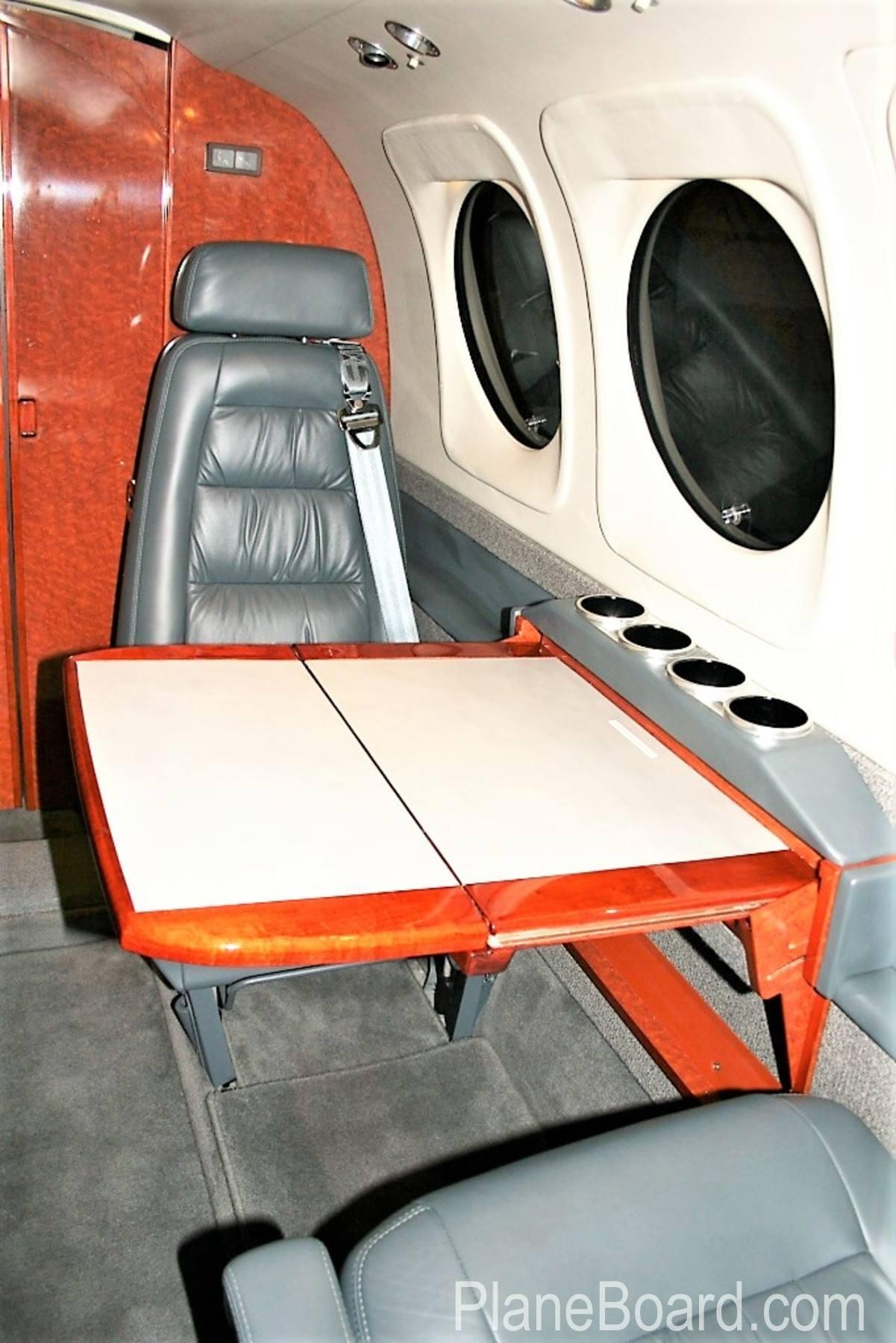 2000 Beechcraft King Air C90B interior 6