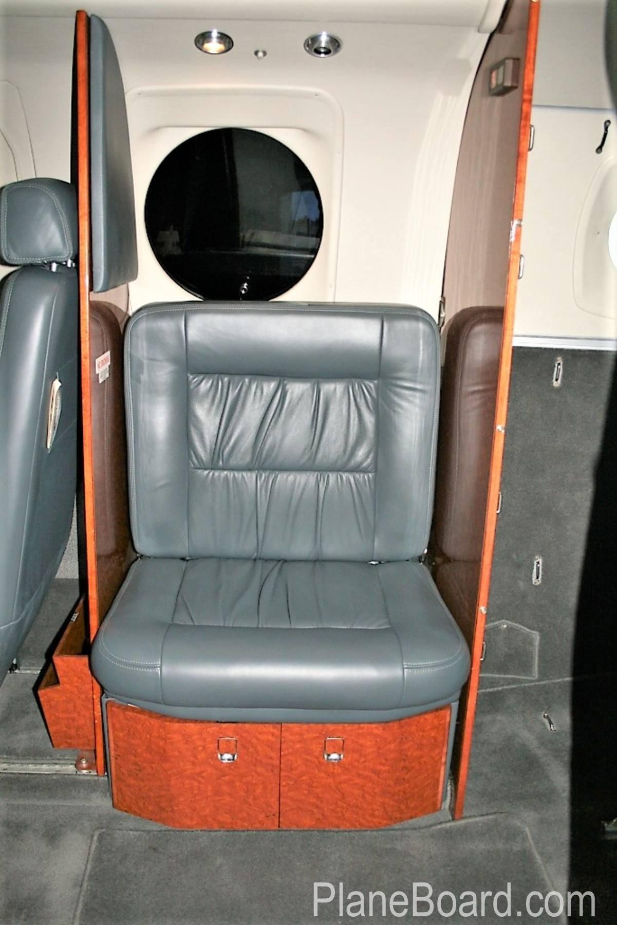 2000 Beechcraft King Air C90B interior 5