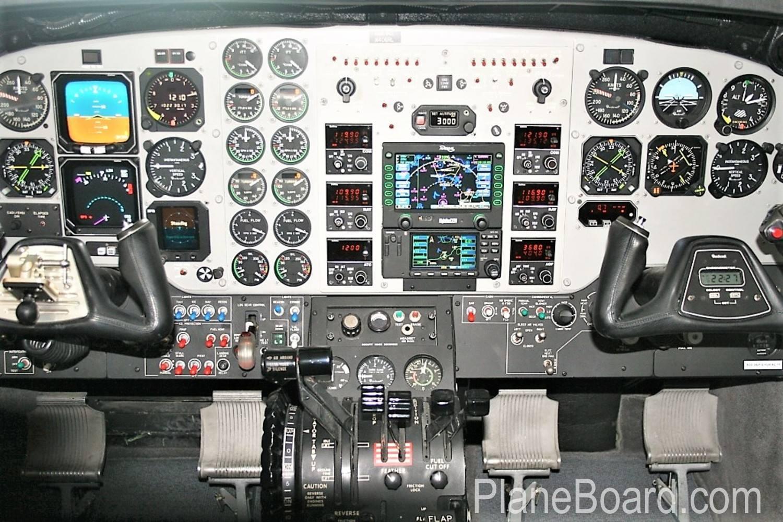 2000 Beechcraft King Air C90B interior 2