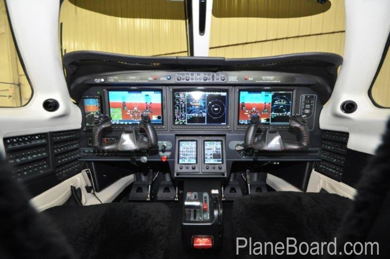 2016 Piper Meridian interior 7