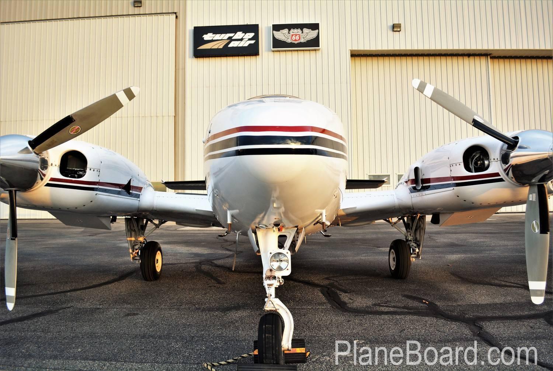 1981 Beechcraft 58P Baron exterior 12