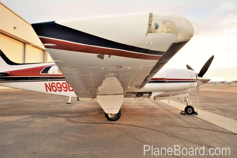 1981 Beechcraft 58P Baron exterior 3
