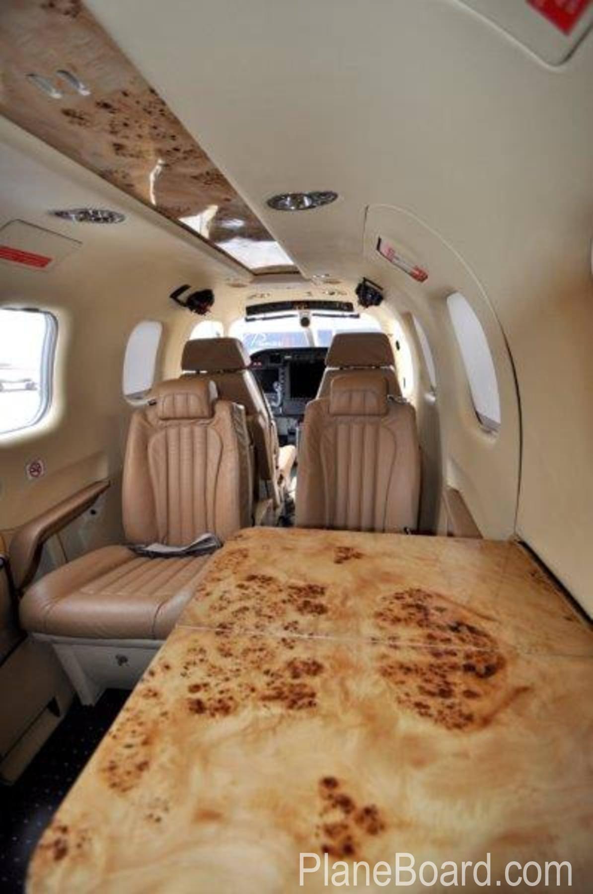 2014 Socata TBM 900 interior 7
