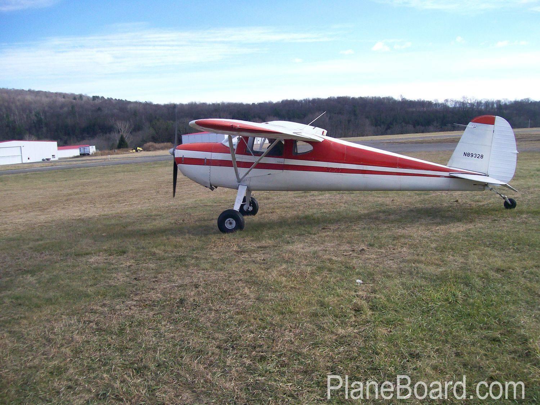 1946 Cessna 140 exterior 6