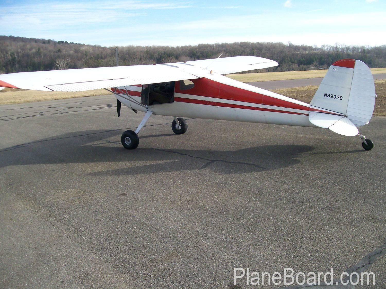 1946 Cessna 140 exterior 5