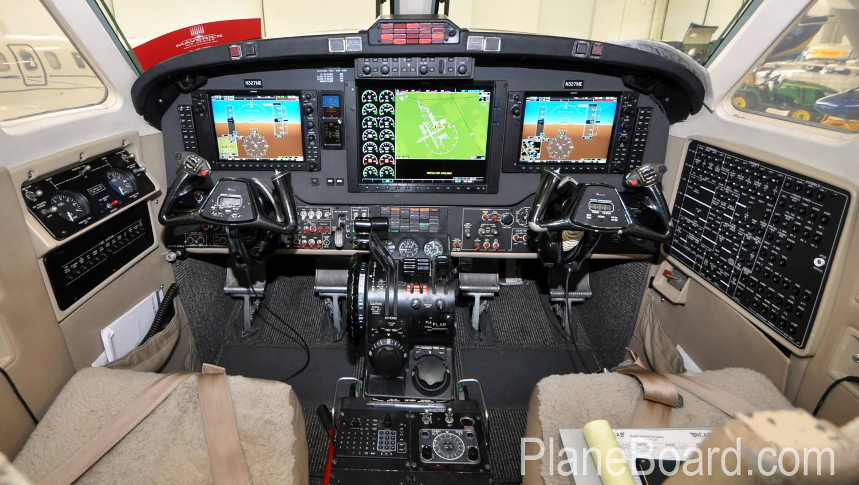 1987 Beechcraft King Air 300 interior 4