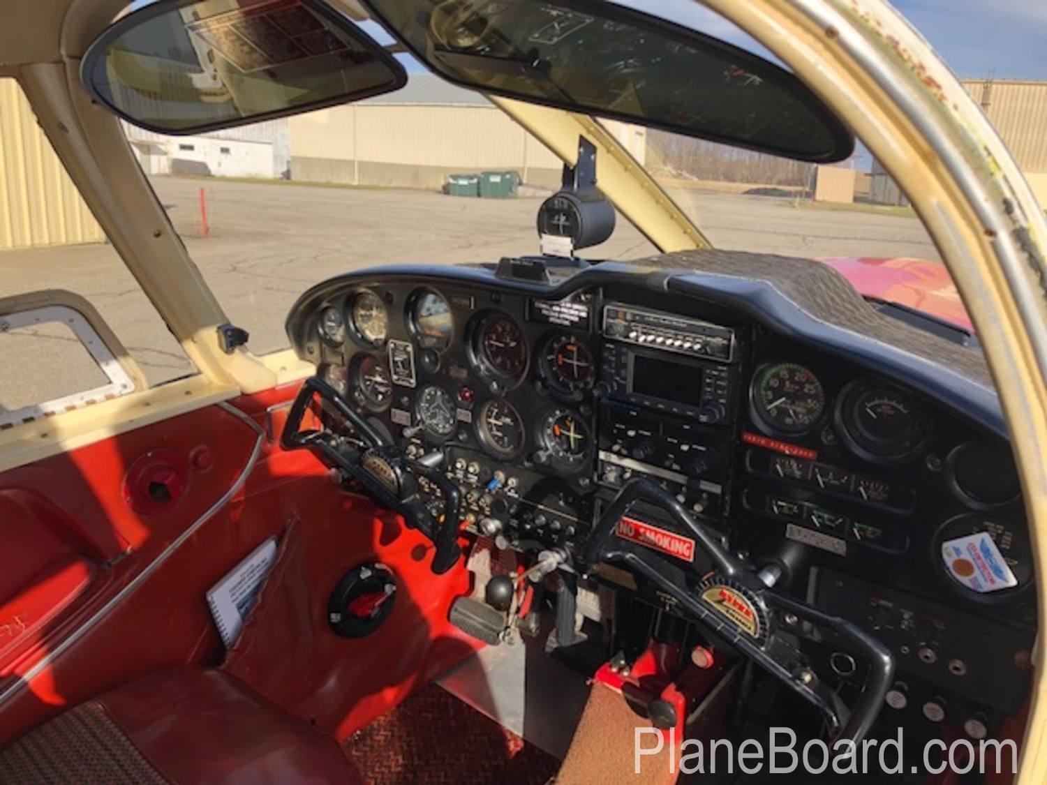 1965 Piper Cherokee 180 interior 20