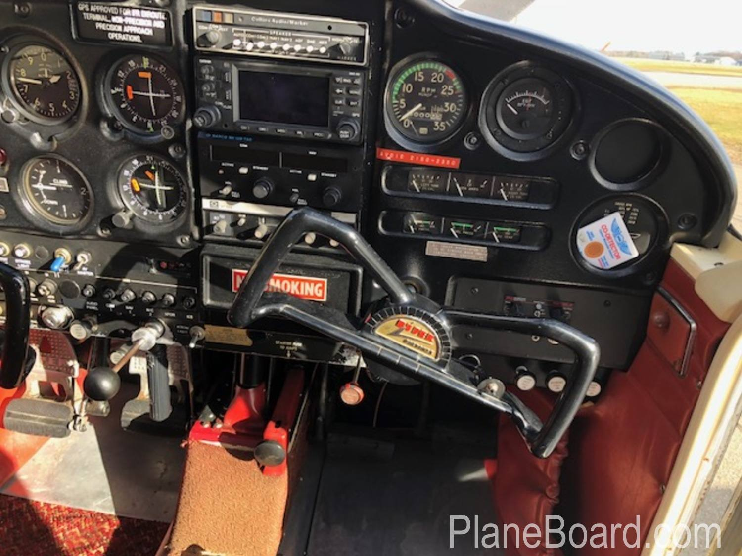 1965 Piper Cherokee 180 interior 19