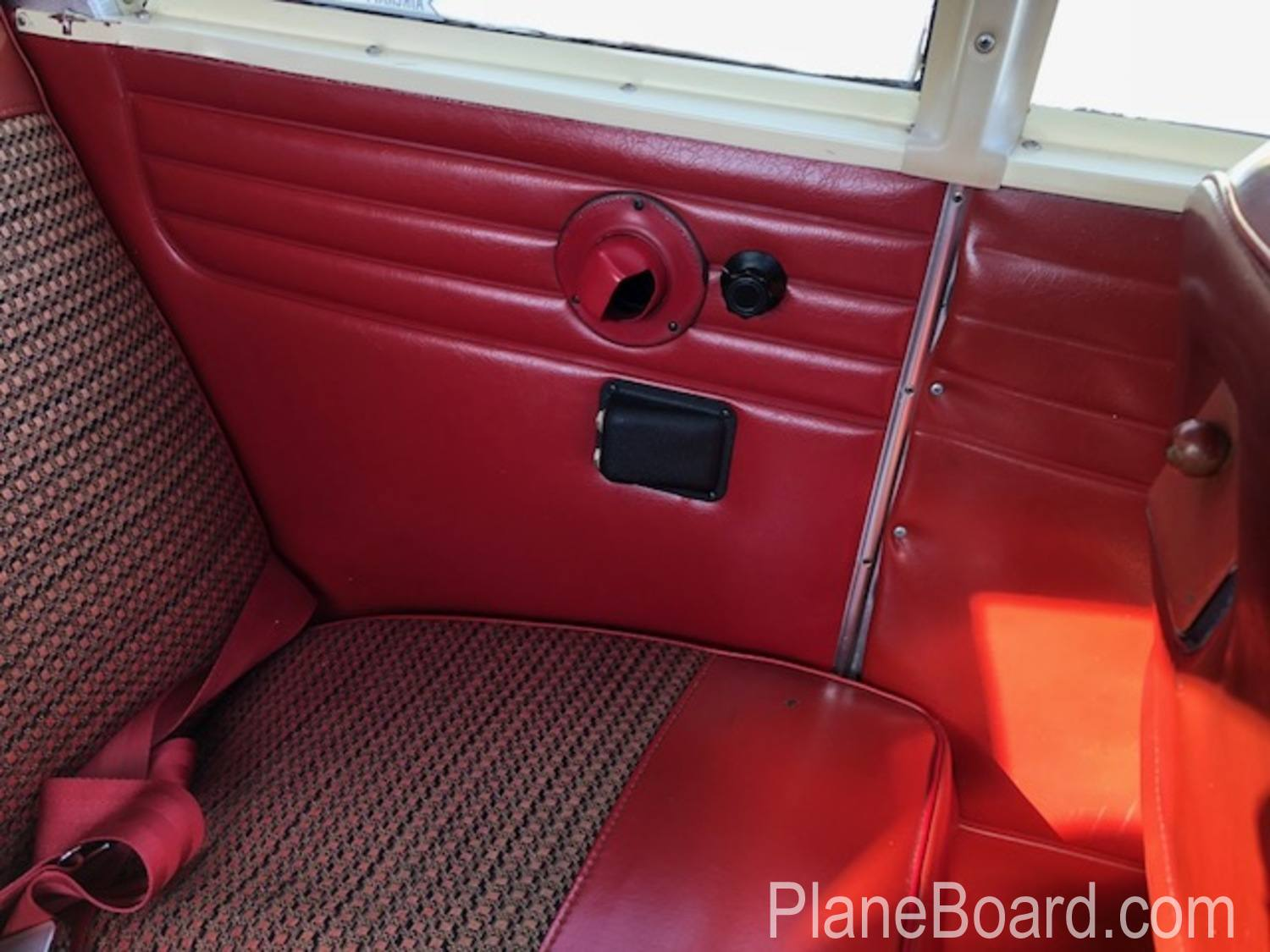 1965 Piper Cherokee 180 interior 16