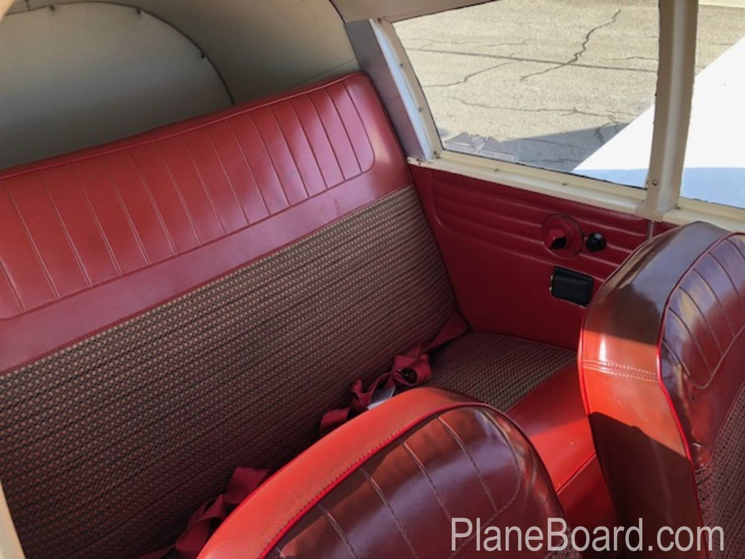 1965 Piper Cherokee 180 interior 15