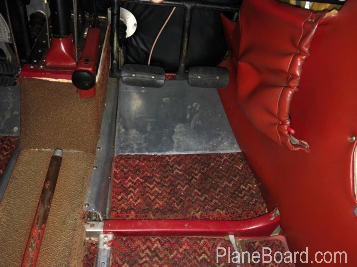 1965 Piper Cherokee 180 interior 13