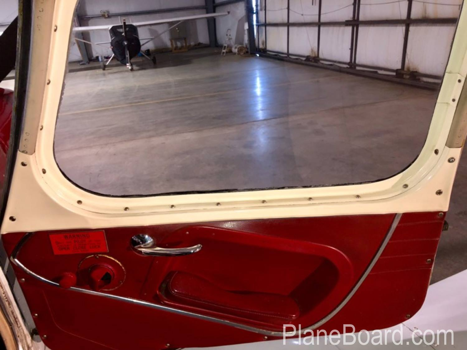 1965 Piper Cherokee 180 interior 12