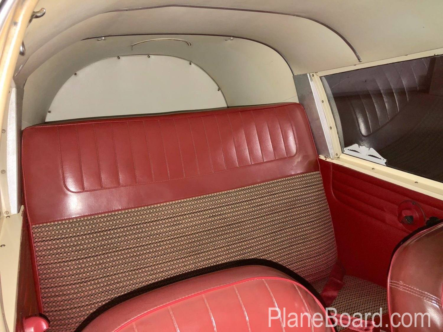 1965 Piper Cherokee 180 interior 10