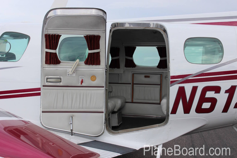 1981 Beechcraft B60 Duke exterior 4