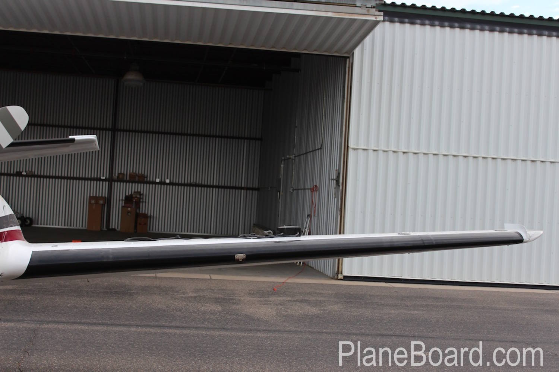1981 Beechcraft B60 Duke exterior 0