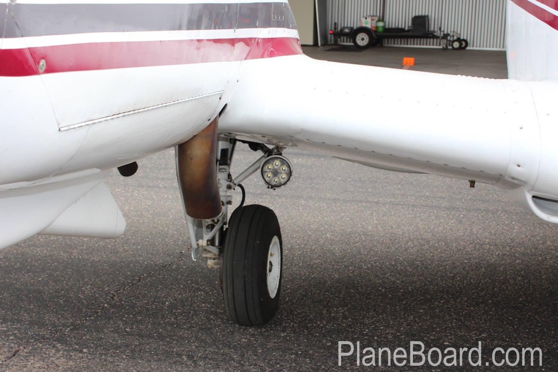 1981 Beechcraft B60 Duke exterior 6