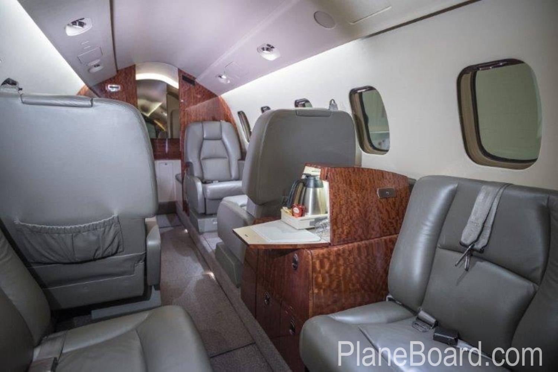 2009 Piaggio P-180 Avanti II interior 13