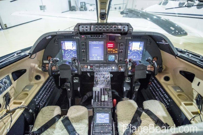 2009 Piaggio P-180 Avanti II interior 11