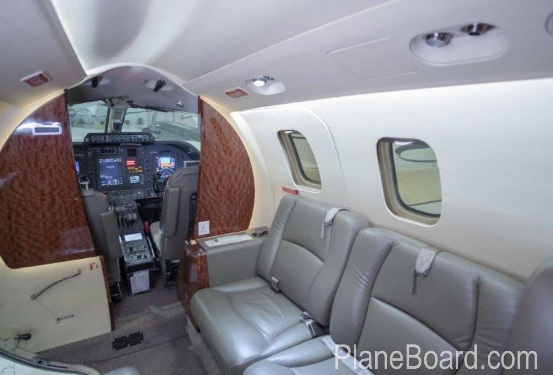 2009 Piaggio P-180 Avanti II interior 9