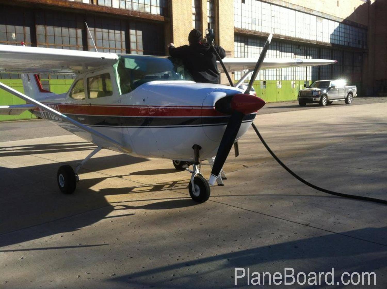 1964 Cessna 172E Skyhawk primary