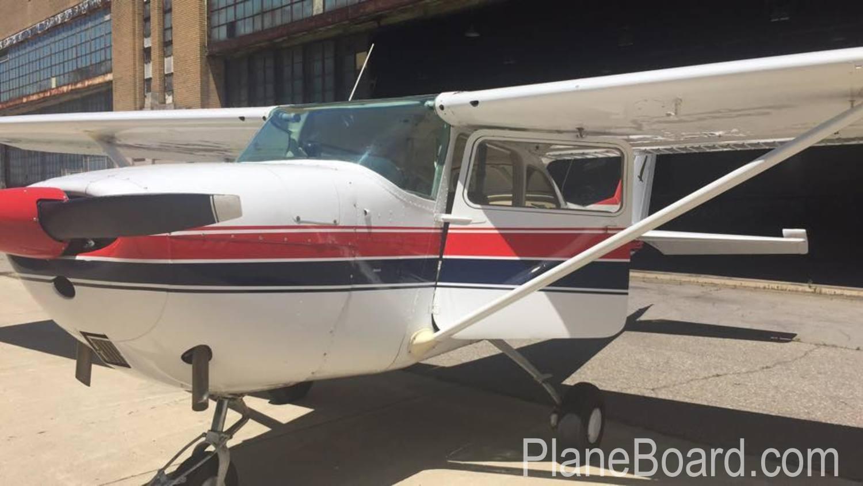 1964 Cessna 172E Skyhawk exterior 7