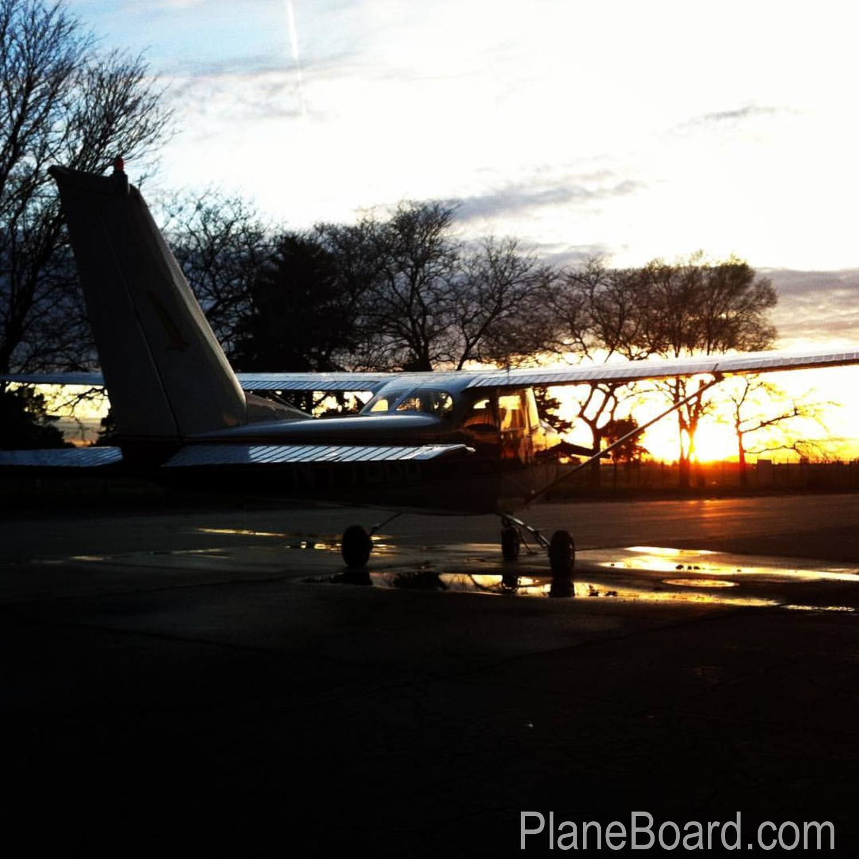 1964 Cessna 172E Skyhawk exterior 6