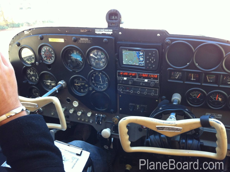 1964 Cessna 172E Skyhawk exterior 0