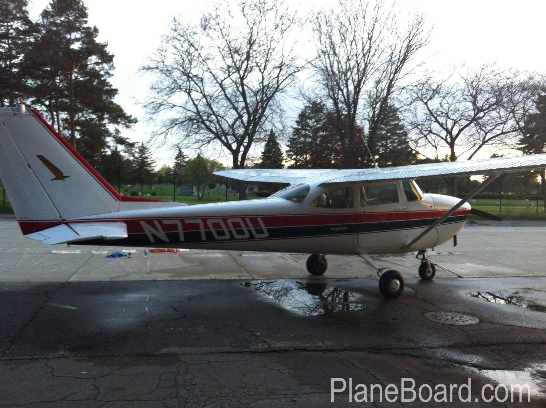 1964 Cessna 172E Skyhawk exterior 1