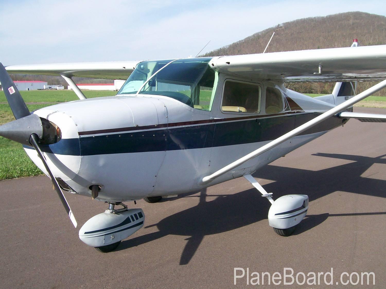 1962 Cessna 172C Skyhawk exterior 0
