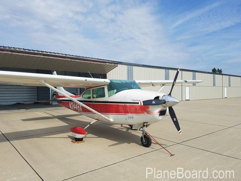 1965 Cessna 182H Skylane exterior 2
