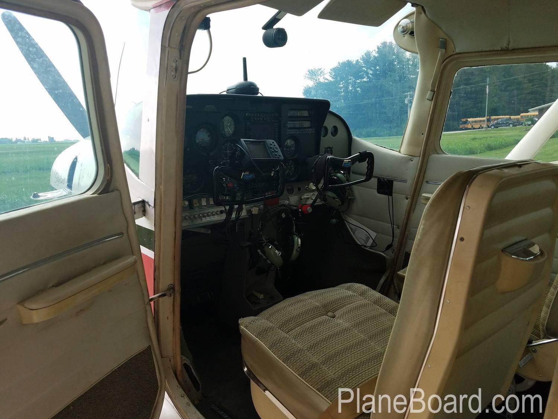 1965 Cessna 182H Skylane interior 5