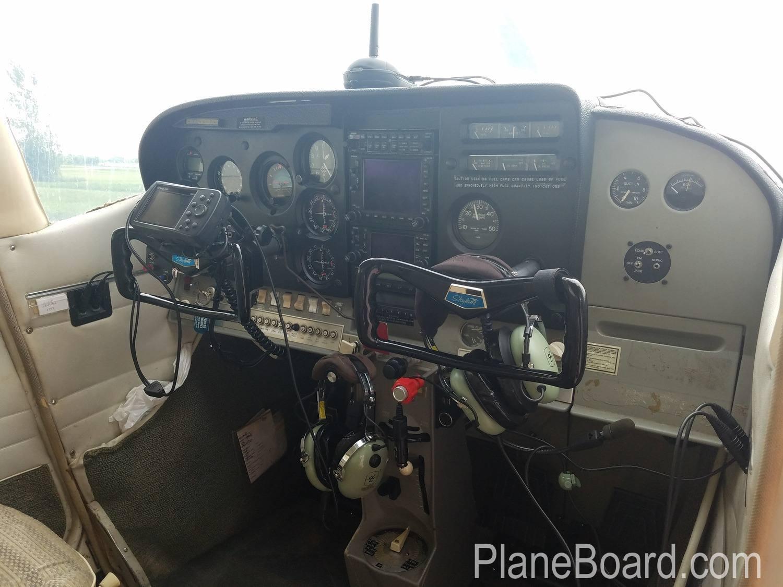 1965 Cessna 182H Skylane interior 7
