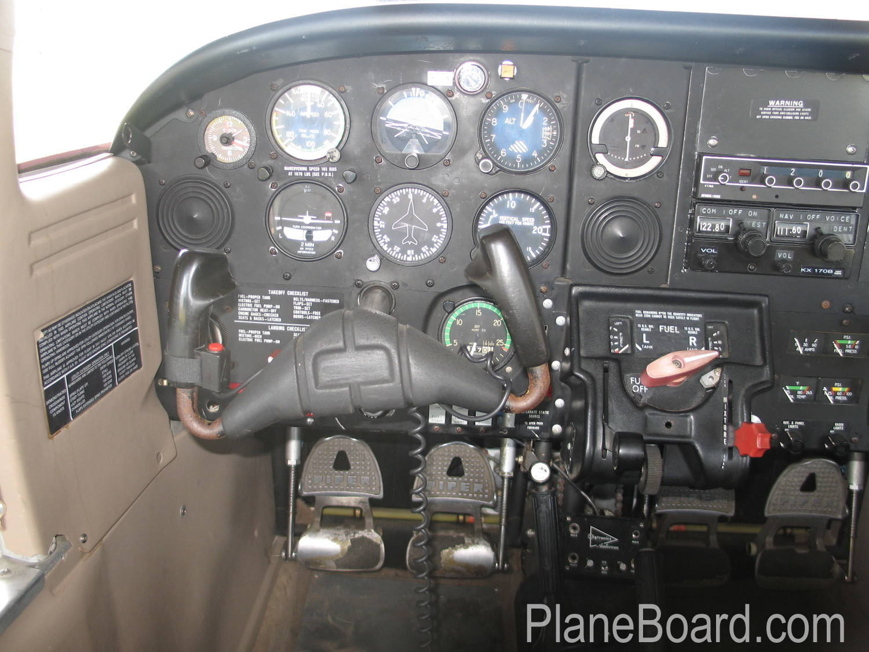 1978 Piper Tomahawk interior 2