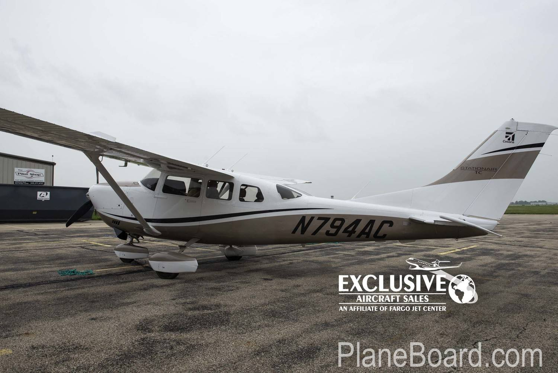 2011 Cessna T206H exterior 0