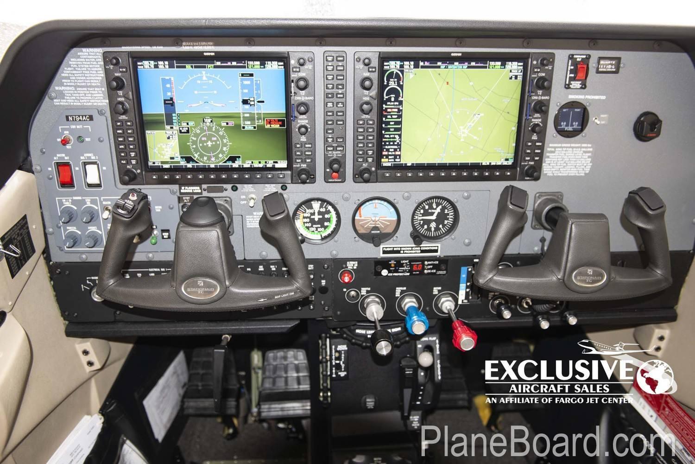 2011 Cessna T206H interior 3