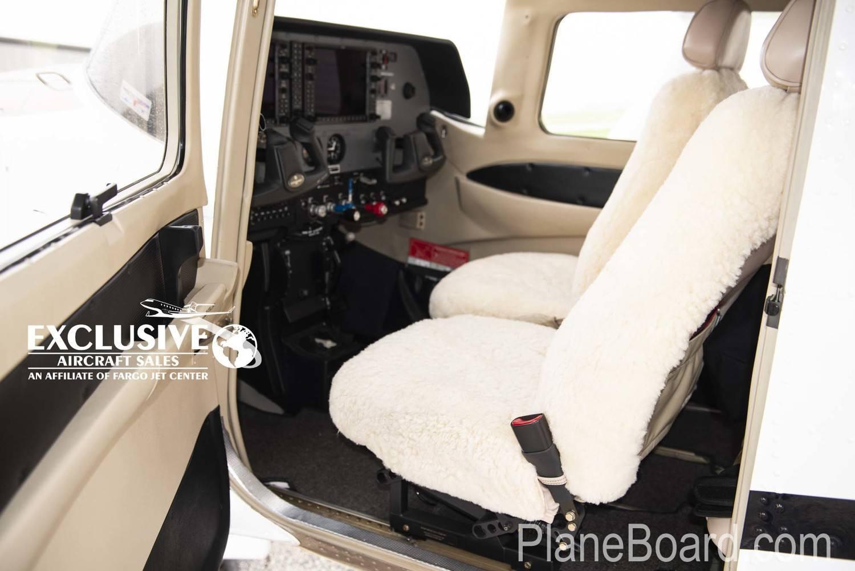 2011 Cessna T206H interior 1